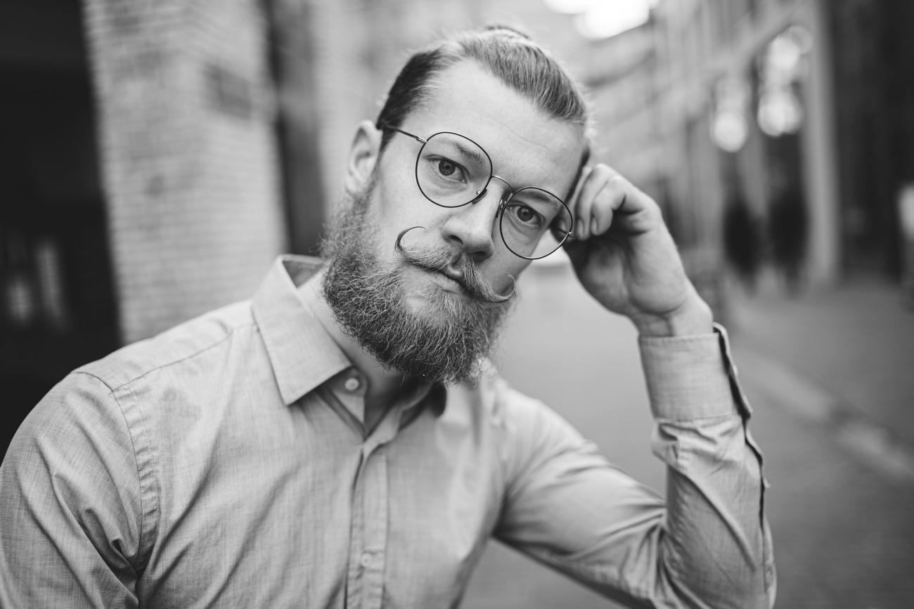 Businessportrait eines jungen Unternehmers
